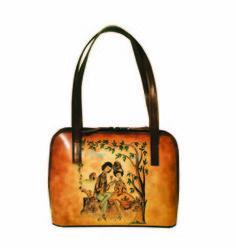 Ručne maľovaná kabelka 8574 s motívom Milenci na lavičke