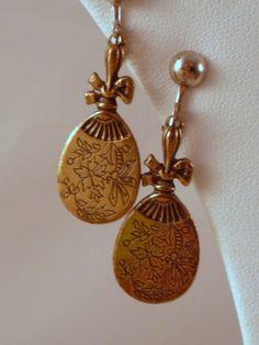 Gold tone Fan dangle  Screw On earrings by Vintageday on Etsy, $12.99