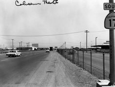 Oakland, 1961. A fantastic shot of Hwy 17 (now 880) just south of High Street heading towards Hegenberger. The Coliseum Drive in can be seen on the left.