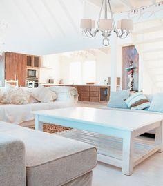 #Salon de style #transitionnel avec #chandelier. / #Transitional #livingroom with #chandelier.