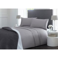 From our exclusive J by Jasper Conran range, the Fulham bedding set has a smart, formal feel. Presented in grey with a clean look, it has a 300 thread count face for good quality and a soft handle.