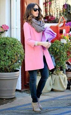 ピンクのコート着こなしコーディネート