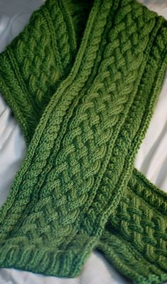 Celtic Braid Scarf: Cables worked every 4th row. Easy to memorize. Impressive looking for an easy cable pattern. Written pattern.