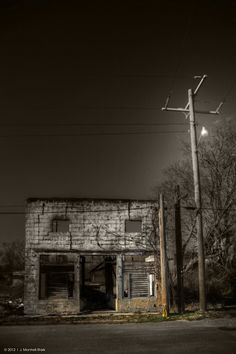 Liquor Store - Cotton Plant, Arkansas, photography by J. Montrell - Stark