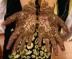 colors  Mehndi Designs | Tips-For-Color-Lasting-Mehndi- (34)