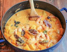 Shrimp, Pineapple and Butternut Squash Curry is a fast and delicious one pot dish, making it perfect for a weeknight dinner!