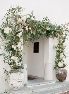 Traditionally elegant rosemary beach wedding, Gallery and inspiration White Wedding Flowers, White Flowers, Landscape Design, Garden Design, Rosemary Beach, Floral Arch, Exterior Design, Outdoor Gardens, Entrance