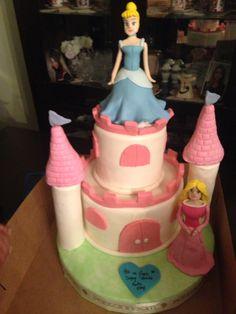 Disney temalı doğum günü pastası