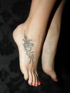 tattoos ideen tattoo am fuss blumen