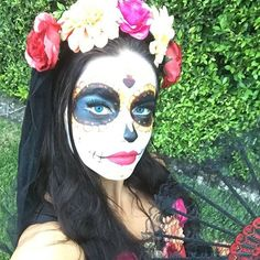 Pin for Later: The Celebrity Halloween Costumes of 2015 Adriana Lima as a Día de los Muertos Skeleton