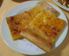 Uzorak loparke s ocjenjivanja (Snimila Božica Brkan) Cornbread, Ethnic Recipes, Food, Millet Bread, Essen, Meals, Yemek, Corn Bread, Eten