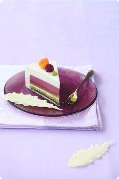 A receita em português está em baixo. Несмотря на столь длинный рецепт, на самом деле, торт готовится не так уж и долго...