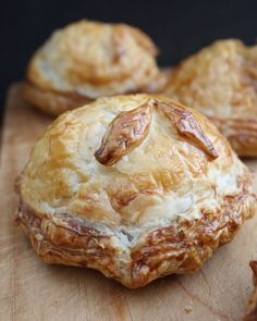 Rindfleisch-Stroganoff-Torten - empanadas of the world - Pastry Recipes, Pie Recipes, Cooking Recipes, Turnover Recipes, Recipies, Beef Pies, Beef Meals, Savory Pastry, Savoury Pies