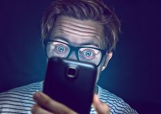 Are you one of the many people who spend hours on their smartphone each day? I have suffered smartphone addition myself . Buy Cell Phones Online, Cell Phones For Sale, Cheap Cell Phones, Smartphone Nutzung, Whatsapp Info, Best Cell Phone Deals, Staying Safe Online, Stay Safe, Applications Mobiles