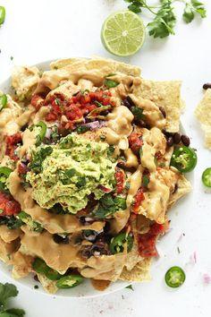 The Best Damn Vegan Nachos with THE BEST cashew-less vegan queso | #vegan…