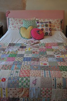 Henhouse:  this quilt couldn't be any sweeter with the wonderful vintage fabric and simple pattern.  This gives me inspiration to make one with 30's reproduction fabrics