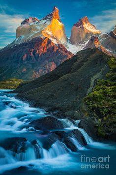 Los Cuernos Falls - Chile