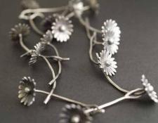 RF98  Daisy chain necklace  $950 Rebecca Fargher