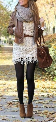 The latest selection of casual fall outfits you can wear everyday this season. More outfit ideas curated every week just for you. Style Work, Mode Style, Looks Street Style, Looks Style, Look Fashion, Fashion Outfits, Womens Fashion, Fall Fashion, Fashion Tights