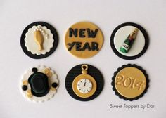 Photo New Year's cupcakes toppers