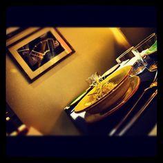 Raviolis de morcilla con aceite de cítricos y puertos fritos. #Padgram Photos, Instagram, Food, Oil, Desserts, Pictures, Meal, Photographs, Eten