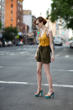 New York City Street Style (via On the Street….Sixth Ave., New York « The Sartorialist) Milan Fashion Weeks, London Fashion, New York Fashion, Style Fashion, Fashion Styles, Fashion Ideas, The Sartorialist, Thing 1, Summer Chic