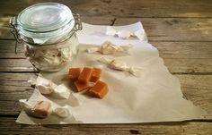 Disse må du bare prøve om du liker både baileys og karameller 2 dl kremfløte 1 dl baileys 50 g...