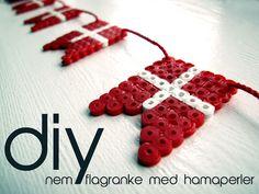 flag flagranke i hama perler - jule pynt eller til fødselsdag - Frk. Hansen: DIY -for os der ikke hækler så godt...