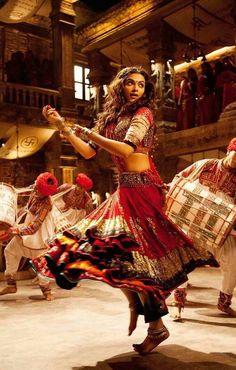 Deepika Padukone in Ram Leela! Bollywood actress Indian fashion Dancing red hair beautiful Source by SoulInTheMoon