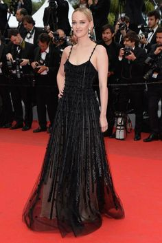 Jess Weixler in Armani Privé at the Cannes Festival 2014.