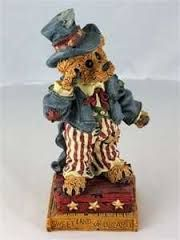boyd bears pictures - Google Search Boyds Bears, Teddy Bears, Yankee Doodle Dandy, Happy Birthday America, Bear Pictures, Cat Doll, Bear Art, Flag Decor, Soft Sculpture