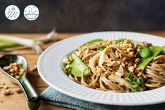 Sweet and Spicy Soba Noodles Low Carb Recipes, Vegetarian Recipes, Cooking Recipes, Delivery Menu, Soba Noodles, Meal Prep For The Week, Sweet And Spicy, Family Meals, Good Food