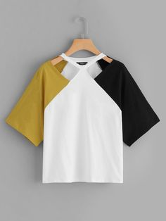 To find out about the Plus Cut-and-Sew Cut Out Top at SHEIN, part of our latest Plus Size T-shirts ready to shop online today! Half Sleeves, Types Of Sleeves, Latest T Shirt, Plus Size T Shirts, Cut Shirts, T Shirts For Women, Clothes For Women, Mode Inspiration, Cami Tops