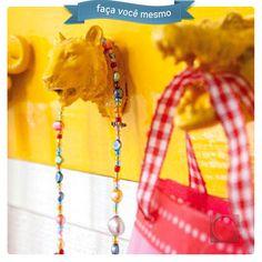 Brinquedos de plástico para pendurar acessórios! #FaçaVocêMesmo #DicaCassol