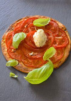 Glace à la moutarde Une glace idéale en été pour accompagner tartes à la tomate ou pissaladière. http://www.cyrilrouquet.com/recettes/2017/7/12/tarte-la-tomate-glace-la-moutarde-lci
