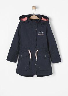 Taillierter Mantel mit rosa Details von s.Oliver. Entdecken Sie jetzt topaktuelle Mode für Damen, Herren und Kinder und bestellen Sie online.