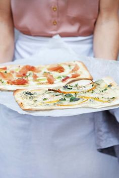 ZWEIERLEI ART BUCHWEIZEN-FLAMMKUCHEN Alsace, Quiche, Soul Food Kitchen, Clean Recipes, Healthy Recipes, Sour Cream Sauce, Pasta, Vegan Pizza, Gluten Free Baking