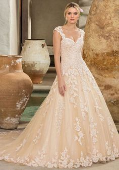 Tendance Robe du mariage 2017/2018  Blush nude and champagne beaded lace wedding dress | Casablanca Bridal Style 22
