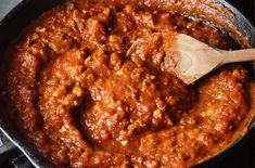 Tofu Bolognese - it doesn't taste like chicken Recipes With Tofu Crumbles, Tofu Recipes, Vegetarian Recipes, Recipies, Bolognese Recipe, Tofu Pasta Recipe, Vegan Pasta, Recipes, Meals