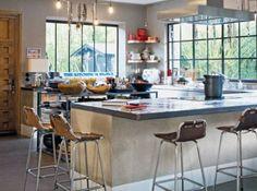 Esprit loft / Loft style : www.maison-deco.com/reportages/reportages-maisons/Esprit-loft-sous-toit-de-charme