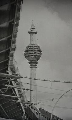 Berlin Tower under construction East Germany, Berlin Germany, Ddr Brd, Berlin Hauptstadt, History Of Germany, Berlin Photos, 17th Century Art, Berlin Wall, Luxor Egypt