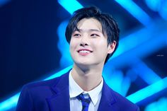 Cho Seungyoun was so strong and still tried to smile even though his mind and feeling must have been really hurt after hearing some audience's bad curses at him when he walked to the seating stage😟😨🥺😔😣😭 Quantum Leap, Love Sick, Love U Forever, Yuehua Entertainment, My Muse, Jooheon, Tv Videos, Kpop Boy, Dear Friend