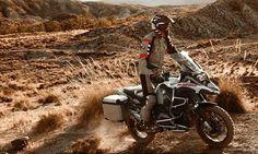 2017 BWM R 1200 GS Adventure. Ya sea en caminos arenosos o llenos de piedras la BMW R 1200 GS Adventure es capaz de dominar ágilmente cualquier terreno. Un modelo para aquellos que quieren llevar los límites más allá está pensada para brindar confort y placer en su conducción. Posee dos modos de manejo standard completamente diferentes: Rain y Road mismos que pueden elegirse con sólo picar un botón. Es como tener dos vehículos en uno. @bmwmotorradmexico #bmw #moto #motocicleta #bike…