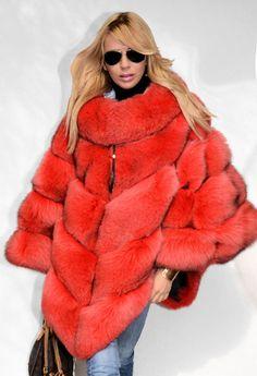The Best Fur Coats Store with Discounts Fur Fashion, Fashion Outfits, Fur Clothing, Street Clothing, Poncho Coat, Fur Cape, Chinchilla, Fabulous Furs, Fox Fur Coat