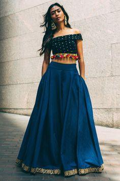 Try New Styles for Navratri Outfits 2017 - Lehenga, Choli, Kurtis, Indian Fashion Trends, Ethnic Fashion, High Fashion, Fashion Women, Indian Attire, Indian Wear, Indian Dresses, Indian Outfits, Indian Skirt