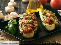 A distant memory when maintaining a healthy diet. our simple recipe for zesty italian zucchini boats are the perfect meal for a low carb, keto-friendly Zucchini Pizzas, Zucchini Boats, Salsa Dulce, South Beach Diet, Meat And Cheese, Living At Home, Healthy Eating Recipes, Mediterranean Recipes, Perfect Food