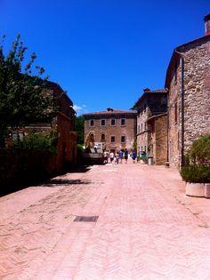 Isola Maggiore - Passignano sul Trasimeno www.romanticitalianweddings.com