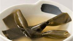 """UMAMI - piąty smak, określany jako """"pełny"""" albo """"mięsisty"""" Jeśli niedawno zaczęliście przygodę z wegańską dietą uzupełniajcie potrawy o smak umami, będzie wam łatwiej na niej wytrwać.  Jeśli jesteście na niej od dawna uzupełniajcie potrawy o smak umami, będzie wam przyjemniej :)   #umami #smakumami #kombu #glonykombu #pureveg"""