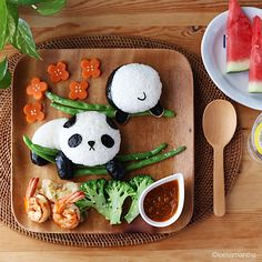 Hang in there! Panda food art by Samantha Lee (@leesamantha)