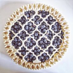 This Blueberry Grand Marnier Pie recipe is featured in the Pies and Tarts feed along with many more. Grand Marnier, Beautiful Pie Crusts, Pie Recipes, Dessert Recipes, Pie Crust Designs, Pie Decoration, Pies Art, Cuisine Diverse, No Bake Pies